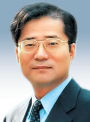 [경제시평―권영준] 공동체성 회복이 해법이다 기사의 사진
