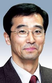 [데스크시각-이용웅] 의사와 의사 선생님 기사의 사진