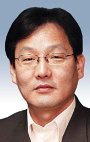 [데스크시각-김의구] 문민통제와 軍 기사의 사진