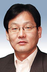 [데스크 시각-김의구] 박근혜와 김무성 기사의 사진