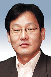 [데스크 시각-김의구] 老망명객의 '반쪽 장례식' 기사의 사진