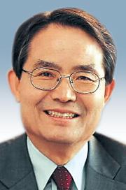 [시론-김성영] 기도하는 대통령을 위한 변명 기사의 사진