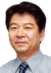 [김성기 칼럼] 국민가수와 문화대통령 기사의 사진