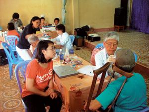 '괜찮은 사람들' 베트남서 의료선교 기사의 사진