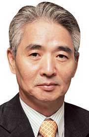 [이진곤 칼럼] 잘 놀고 간 일본 의원들 기사의 사진