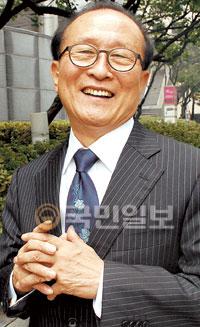 코미디언 출신 신소걸 목사, CCM 음반 출시 기사의 사진