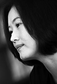 [정철훈의 현대시 산책 감각의 연금술] ⑧ 마주침의 발명… 시인 김행숙 기사의 사진