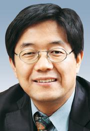 [국민논단-권상희] SNS 선거와 침묵의 나선 이론 기사의 사진
