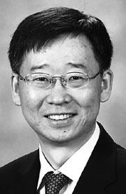 이탁희 서울대 교수팀, 아주 얇고 휘어지는 분자 전자소자 개발 기사의 사진