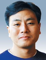 [시론-장우영] 모바일 투표 유감 기사의 사진