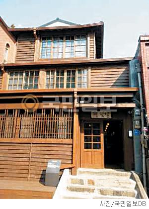 [매혹의 건축-'카페 팟알'] 차이나타운 속 일본집 기사의 사진