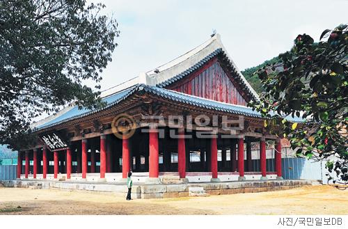 [매혹의 건축-'세병관'] 위풍당당 기사의 사진