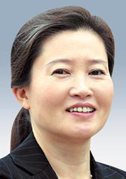 [세상에 말걸기-김혜림] 박 대통령의 패션 기사의 사진