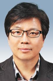 [시론-이명찬] 아베 정권의 그릇된 역사인식 기사의 사진