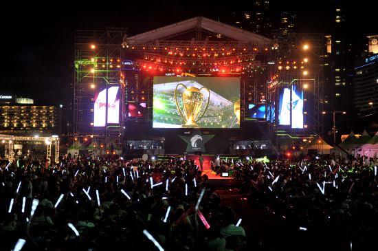KT 롤스터 창단 첫 롤챔스 우승…MVP는 '카카오' 이병권 기사의 사진