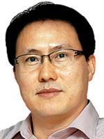 [여의춘추-김준동] 부시의 9·11과 박근혜의 4·16 기사의 사진