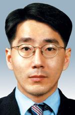 [국민논단-신창호] 더블 딥에 빠진 한국 정치 기사의 사진