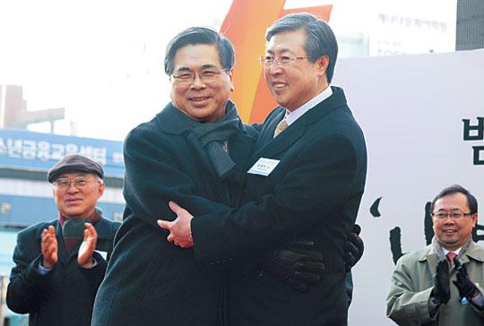 [2014 한국교회 10대 뉴스] 한기총·한교연 리더십 교체와 통합 움직임 기사의 사진