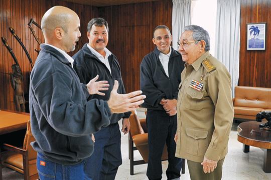 [해외 10대 뉴스] (3) 美-쿠바, 냉전 앙금 털고 53년만에 국교 정상화 기사의 사진