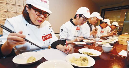 [국민 컨슈머리포트-만두] '향미증진제' 등 표현은 달라도 대부분 조미료 첨가 기사의 사진