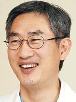 [명의&인의를 찾아서-주목! 이 클리닉] 신규철 박사는 기사의 사진