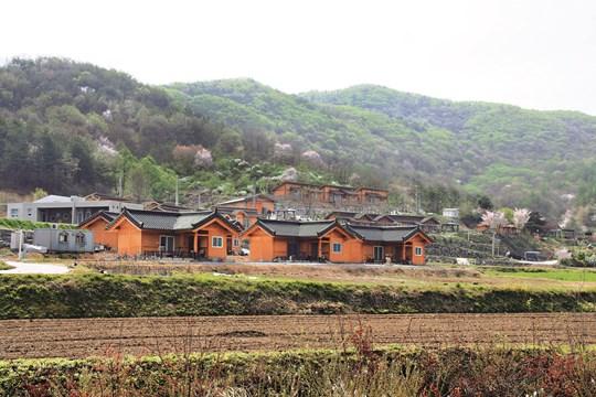 [살기 좋은 명품마을을 가다] (4) 국내 유일 아토피 자연치유마을 충남 금산군 상곡마을 기사의 사진