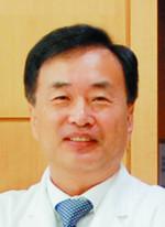 [명의&인의를 찾아서] 김진홍 교수는… 내시경 통한 소화기병 치료 최고 권위자 기사의 사진