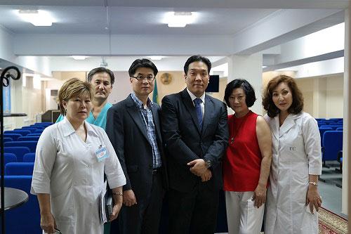 인본병원 강지훈 원장, 카자흐스탄 침캔트에서 진료활동 기사의 사진