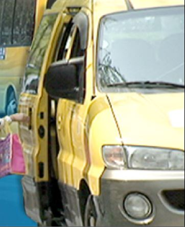 """""""두살 딸이 통학차량에 깔려 숨졌어요""""…CCTV·블랙박스도 없어 막막 기사의 사진"""