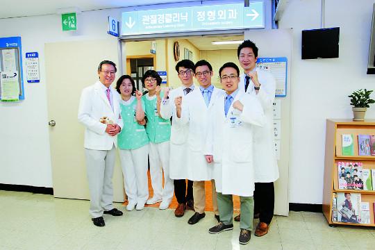 [명의&인의를 찾아서-(21) 경희대학교병원 어깨관절클리닉 이용걸 교수팀] 어깨질환 치료 '명성' 기사의 사진