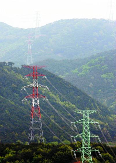 [原電 우리에게 무엇인가]  전기 쓰면서 송전선로 건설엔 '님비'… 대타협 절실 기사의 사진