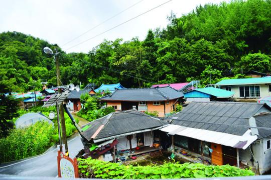 [살기 좋은 명품마을을 가다] (17) 충북 청주시 벌랏 한지마을 기사의 사진