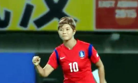 """[영상] """"역시 형 한국에 이길 수 없나"""" 日 축구팬 눈물… 한중일 삼국지 기사의 사진"""