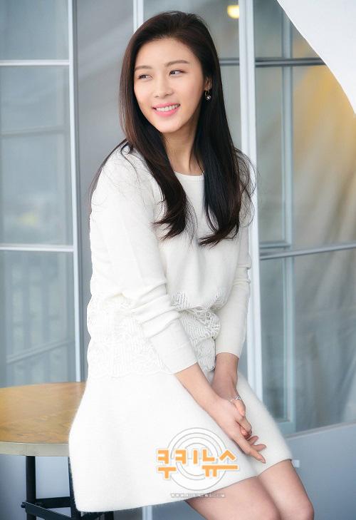 """진백림과 첫 열애설? 하지원 """"연애 해야겠어요"""" 웃음 기사의 사진"""