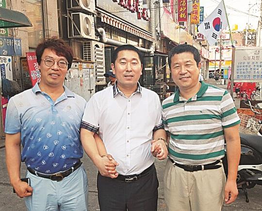 [한·일 국교정상화 50년] 중국어 간판에 베트남인 가게주인… 10여개국 문화 섞인 한국 속 지구촌 기사의 사진