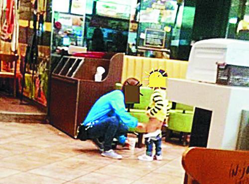 [친절한 쿡기자] 무개념 자식사랑 '맘충' 향한 비난 모성에 대한 일방적 혐오 확산 우려 기사의 사진