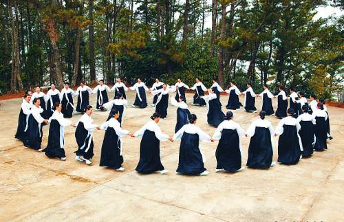 [톡톡! 한국의 문화유산] 한가위의  군무,  강강술래 기사의 사진