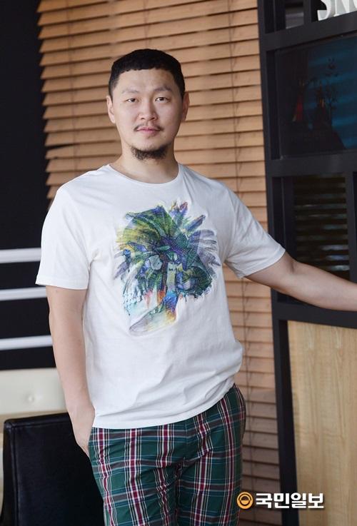 """양동근 """"전석 매진이요? 엑소 첸이 출연했거든요 하하""""…kmib가 만난 스타 기사의 사진"""