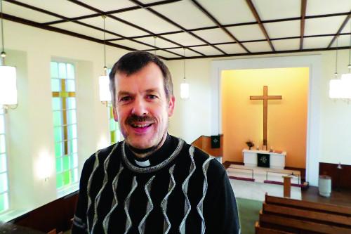 """[시선] 고트프리트 마르텐스 목사 """"난민은 하나님 선물 … 긴급한 필요에 교회는 응답해야"""" 기사의 사진"""