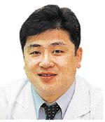 [명의&인의를 찾아서] 김진구 교수는 자타 공인 무릎관절질환 전문가… 유명 운동선수 치료 '재기' 도와 기사의 사진