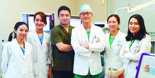 [명의&인의를 찾아서-(38) 이대목동병원 두경부암·갑상선센터] 환자 중심 진단·치료 기사의 사진