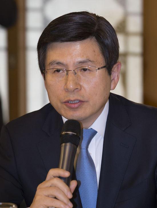 """黃총리 """"2020년까지 스마트공장 1만개 구축 지원하겠다"""" 기사의 사진"""