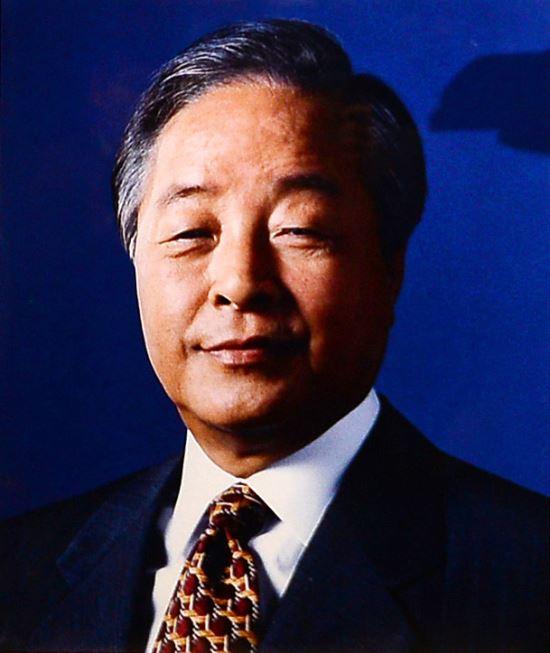 김영삼 前 대통령, 서울현충원 제3장군묘역 우측능선에 안장 기사의 사진