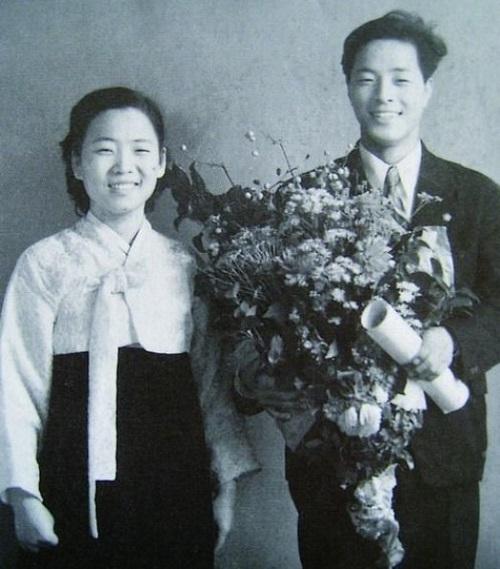 """""""그땐 그랬지"""" 청년 김영삼·김대중·노무현, 로맨틱했던 한때 기사의 사진"""