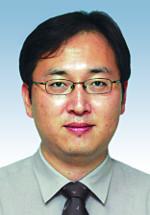 [창-우성규] 현수막 전쟁 기사의 사진