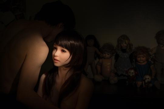 """섹스돌로 예술하는 한인 청년 """"홀로 마주한 공허함이 무서웠다"""" 기사의 사진"""
