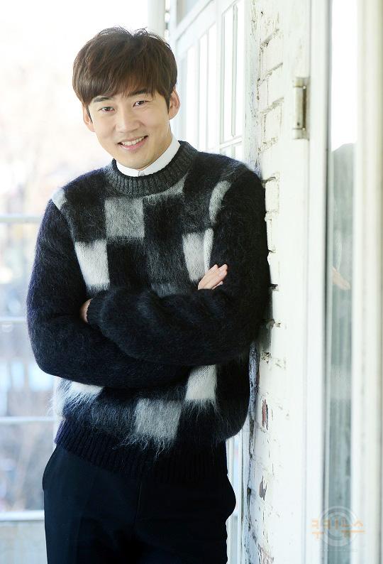 """윤계상 """"배우 10년 했으니, 이제 시작이죠""""… kmib가 만난 스타 기사의 사진"""