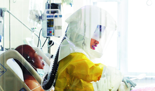 [2015 국내 10대 뉴스] (1) 186명 감염 38명 사망… 방역 실패 뼈아픈 교훈 기사의 사진