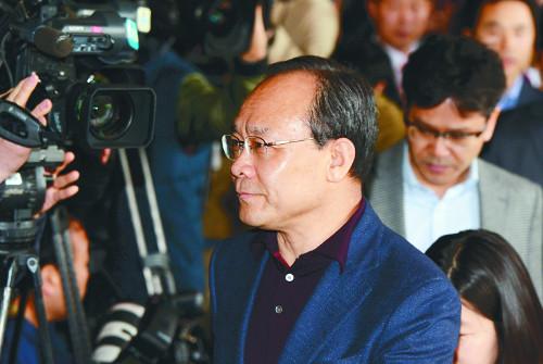 [2015 국내 10대 뉴스] (7) 성완종 회장 자살… '成 리스트' 온 나라 발칵 기사의 사진