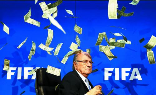 [2015 국제 10대 뉴스] (9) FIFA 부패 스캔들 휩싸여… 블라터 회장 불명예 퇴출 기사의 사진